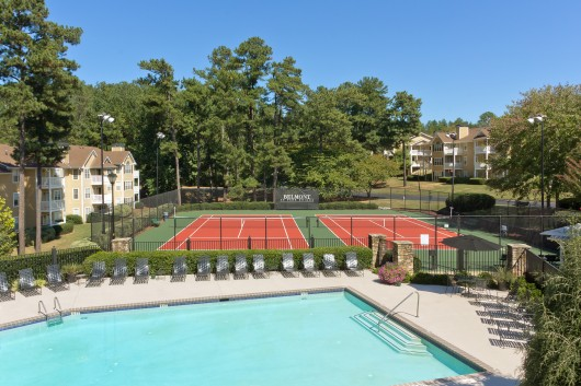 Swim and Tennis at Apartments in Atanta